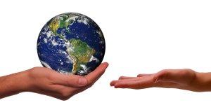 """Münsters """"KlimaMischpoke"""" lädt zur """"Earth Hour"""" ein: Lichter löschen und Herzleuchten aufstellen"""