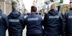 Jüdefelderstraße: Kommunaler Ordnungsdienst und Polizei kontrollieren gemeinsam