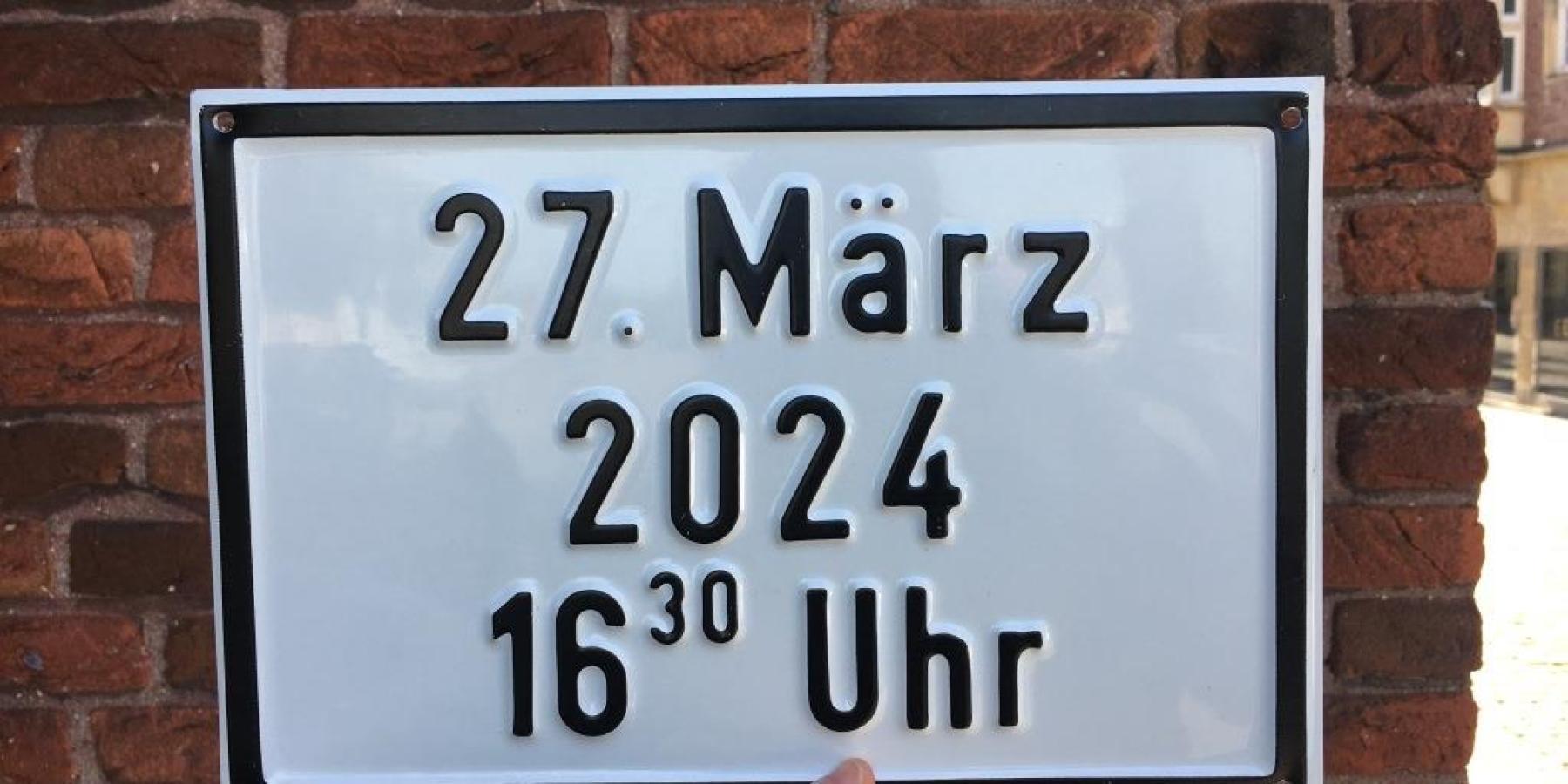 """""""Datum"""" von Mark Formanek ist ausgetauscht"""