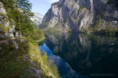Berge spiegeln sich im Obersee