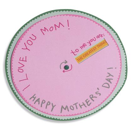 Basteln zum Muttertag Ideen und Anleitungen familyfun wheel-of-affection-mothers-day-craft-photo-420-FF0505MOMA16
