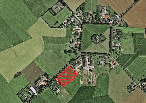 Hauptsache Krüppelwalmdächer, dann merkt es schon keiner: Baugebiet im Denkmalbereich Louisendorfs