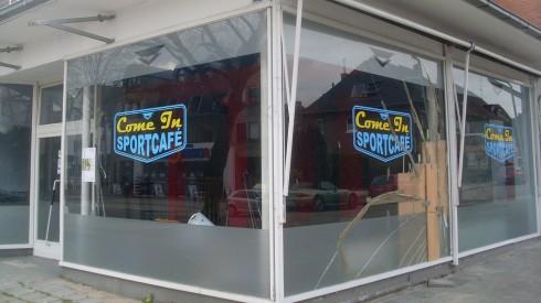 Sieht von außen aus wie Ballacks Knöchel von innen: Sportcafé Come In