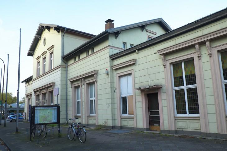 Derzeit kein Schmuckstück – und bald vielleicht schon ein rustikaler Vergnügungstempel: Bahnhof Kleve