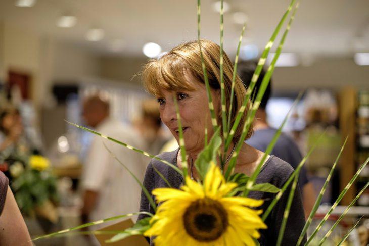 Barbara Jacobs bei der Eröffnung des BioMarkts in der Hoffmannallee
