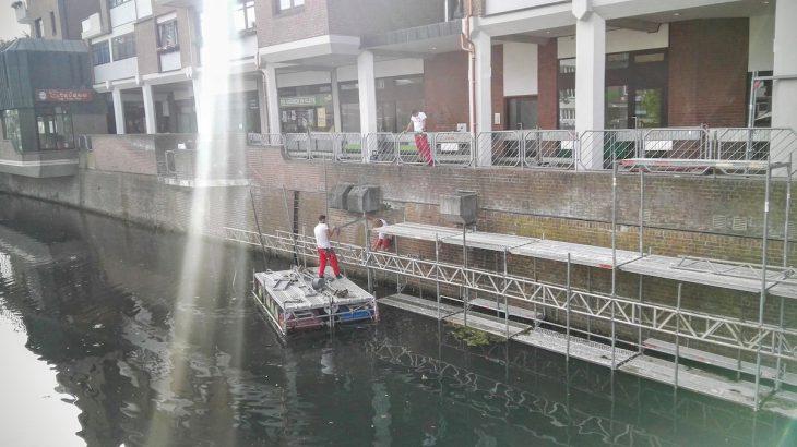 Für den Umbau gerüstet: Die Wände am Spoykanal