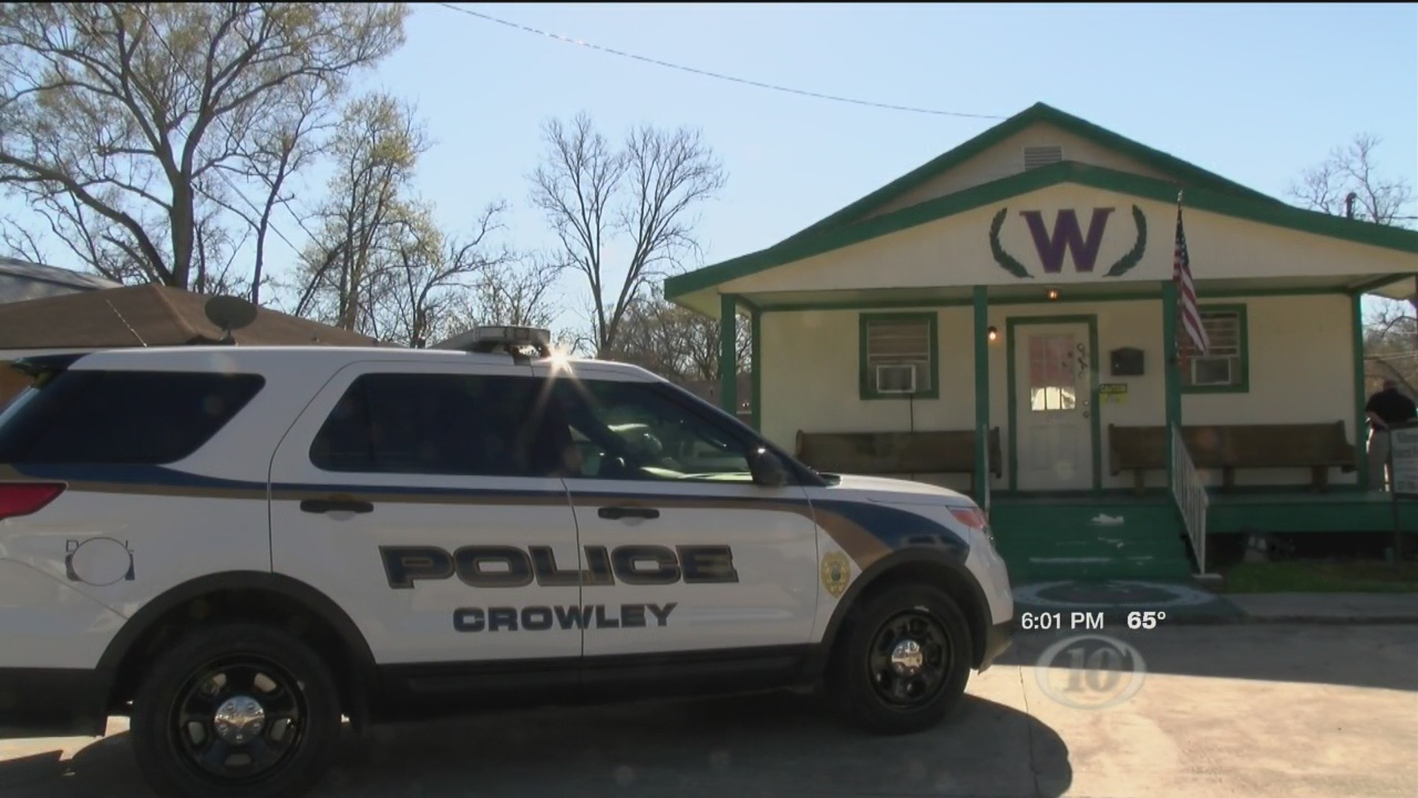 Crowley funeral home under investigation_171199