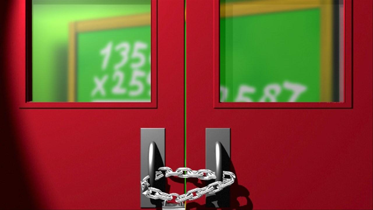 School Closed_184494