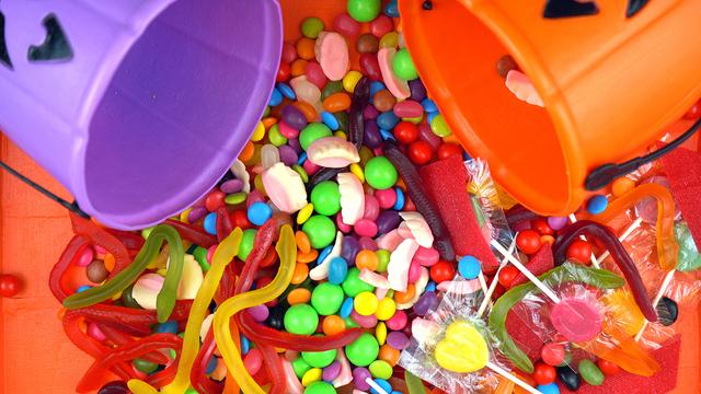 Halloween Trick Or Treat Candy Overhead Jack-o-lantern Buckets_381036