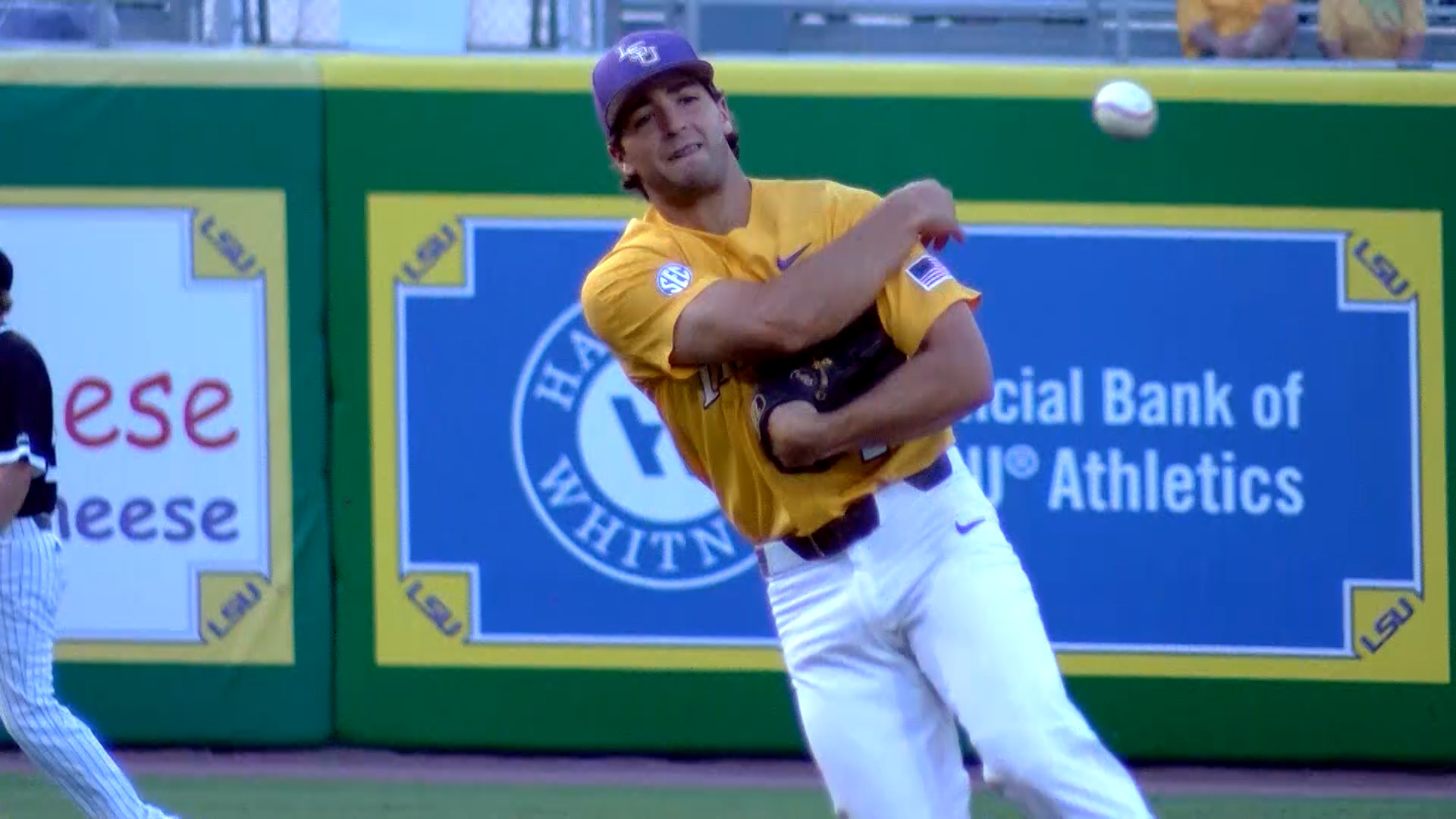 JOSH SMITH INFIELD THROW LSU_1559621336130.jpg.jpg