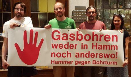v.l.n.r.: Jürgen Blümer (Landschaftspaten), Dirk Hanke (BiGG Hamm), Ulrich Mandel (Klimabündnis Hamm), Andrea Pfeiffer (Grüne Bürger gegen Gasbohren)