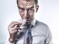 Comer deprisa puede perjudicar gravemente la salud
