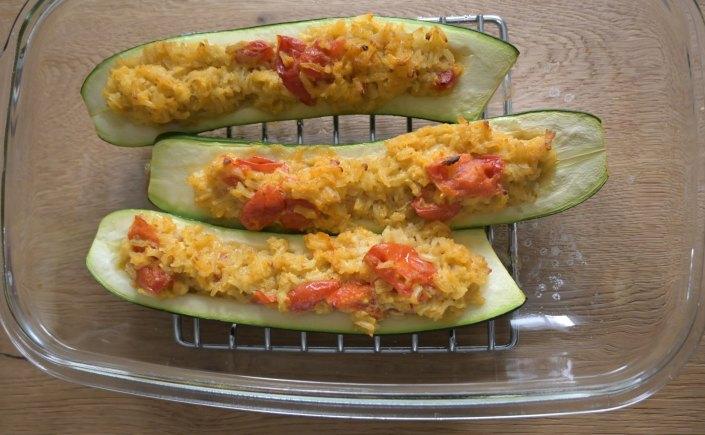 Bild von Zucchini gefüllt mit Kokos-Reis