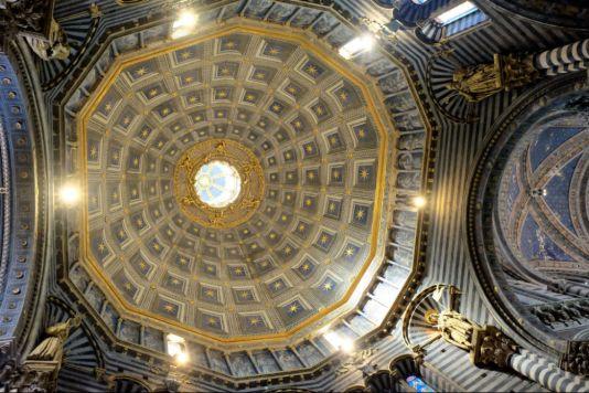 Kuppel im Don von Siena