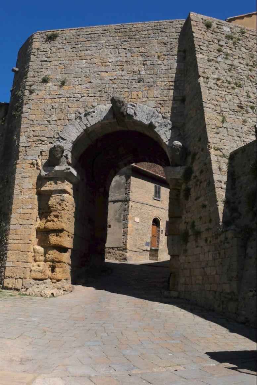 Stadttor aus der Etruskerzeit