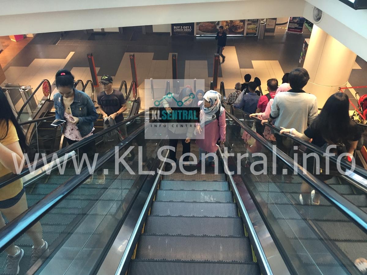 Escalator-down-to-Ground-Floor-in-NU-Sentral