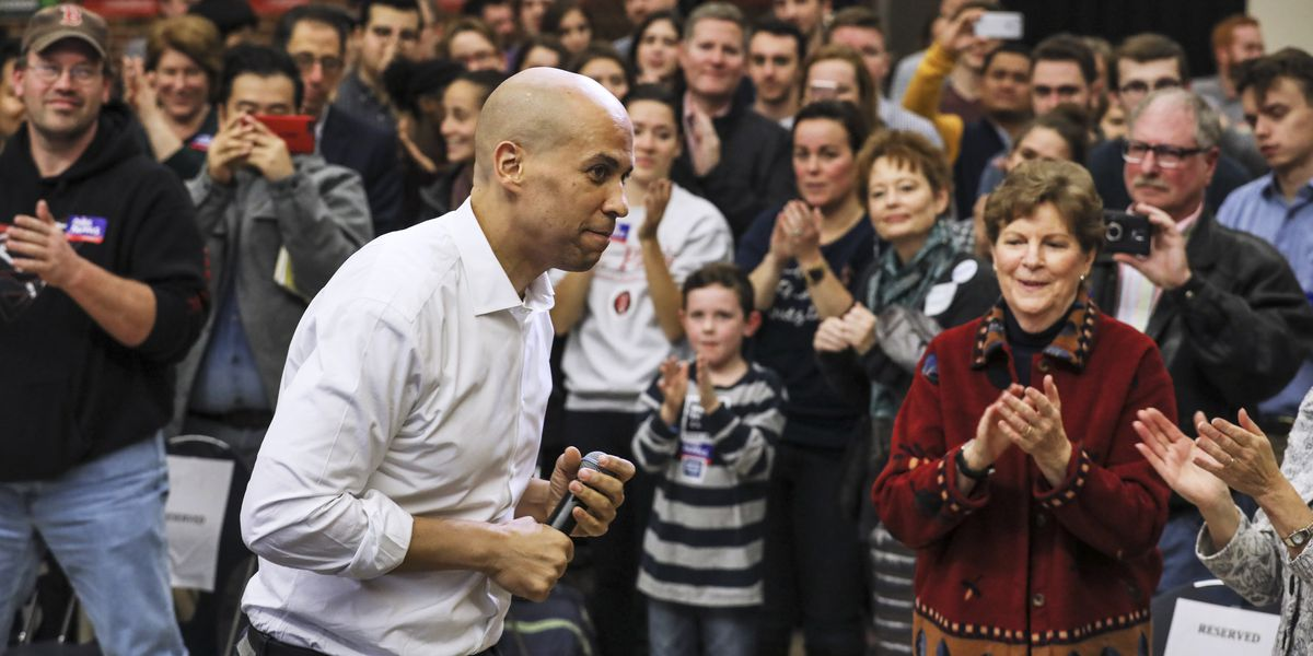 """Booker tells activists """"We are in a moral moment in America"""""""