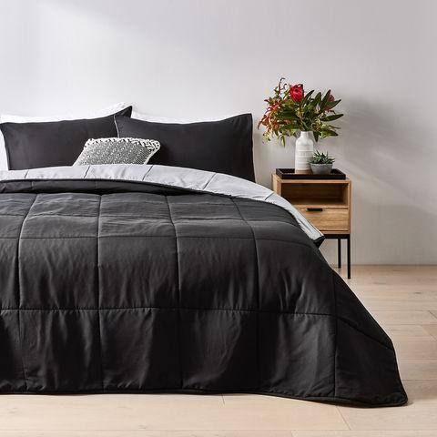 reversible comforter set queen bed black