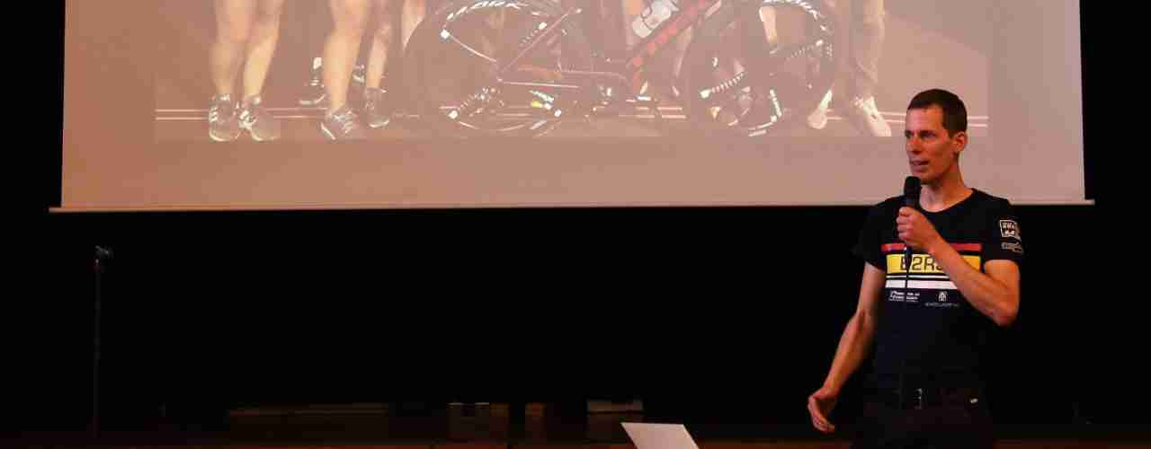 Im Jahr 2016 hat Philipp Amhof, Inhaber von Birrer 2-Rad-Sport in Bülach am härtesten Langestecken-Velorennen teilgenommen, das RACE ACROSS AMERICA.