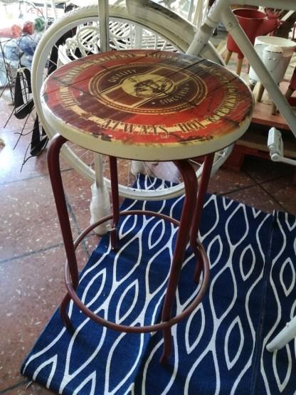 Sgabello Alto Girevole Rosso Vintage Industrial Metallo Legno - Kmv Home Store stocKMarket