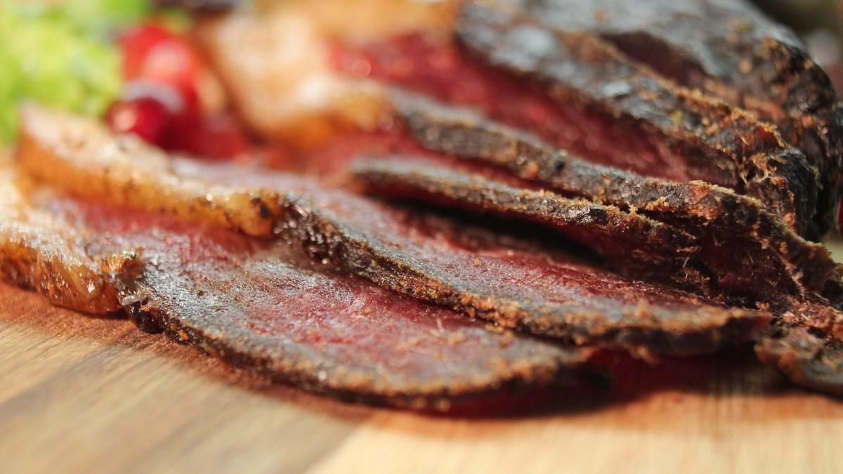 """(Nejen) nízkosacharidový recept: Domácí sušené maso """"jerkys"""""""