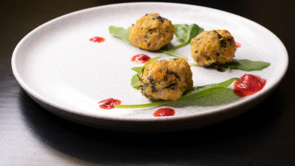 (Nejen) nízkosacharidové jídlo: Netradiční šťavnaté masové kuličky bez vajíčka a lepku