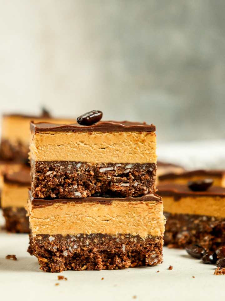 stack of two dessert bars