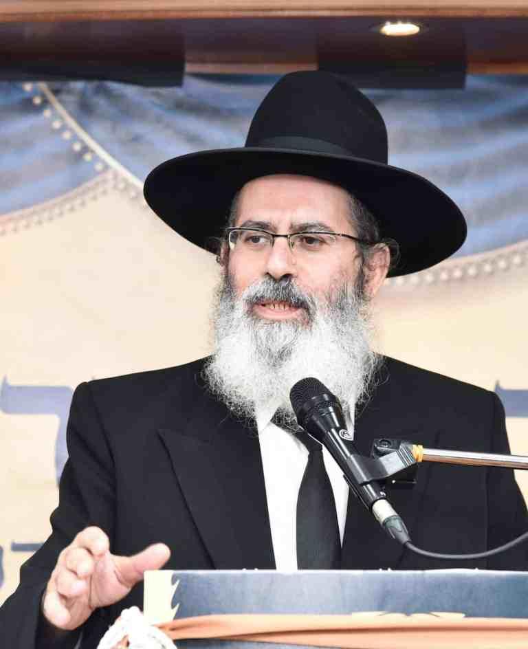 הרב נפתלי אברז'ל רב קהילת מנין אברכים נוה יעקב עטרת תפארת קרית ספר