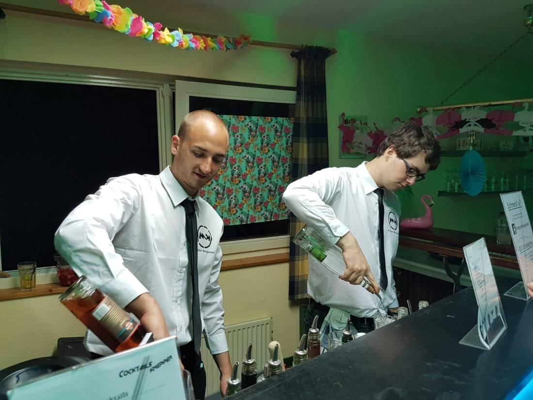 Cocktails Knepper - mobile Cocktailbar in NRW- Neu im Team und motiviert an der Theke (2)