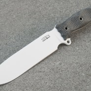 Busse NMSFNO arctic white blade, Black Canvas Micarta handles (Photo: lunde - bladeforums)