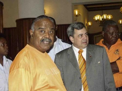 Wilsoe best friend, 'Godfather' Nelson Monte (links) naast wijlen Richard Salas (beide FOL)