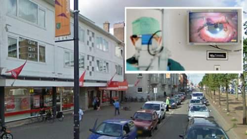 De Schiedamseweg in Rotterdam waar een jongen zijn hand kwijt raakte. Twee andere jongens liepen verwondingen in het gezicht op. Inzet: archiefbeeld van een arts die kruitresten verwijdert uit het oog van een vuurwerkslachtoffer. © Google Streetview/ANP.