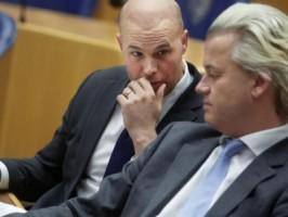 Tweede Kamerlid Joram van Klaveren is donderdag uit de PVV-fractie gestapt vanwege de uitspraken van partijleider Geert Wilders over Marokkanen.