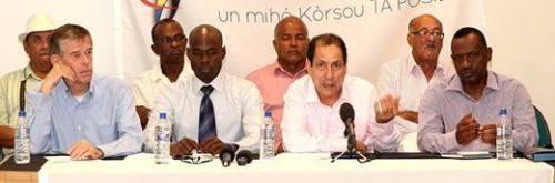 Reforma-team, waaronder ex-Sheldry Osepa, Chester Peterson en Jorge 'Palu Djo' Sulbaran