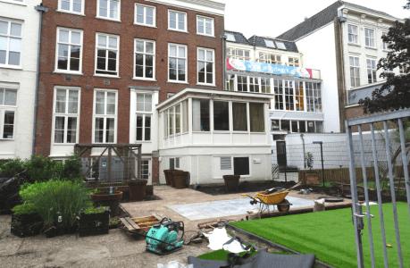 Gemeente Den Haag controleert tuin Curaçaohuis
