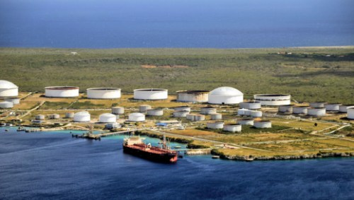 Some 30 dirty tankers are currently waiting around PDVSA's ports in Venezuela and Curacao.   Persbureau Curacao