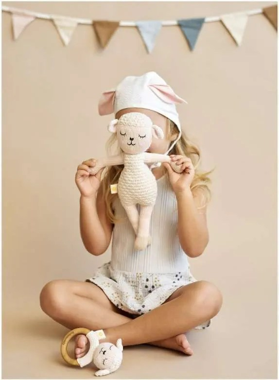 Peluche de ovejita de algodón organico artesanal