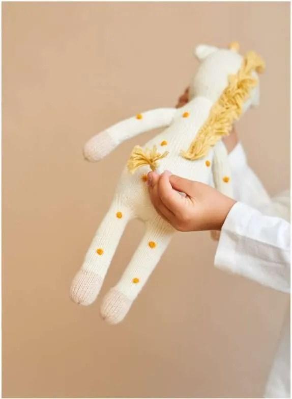 Peluche de jirafa de algodón organico artesanal