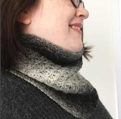My cowl in Reothart Uist Wool