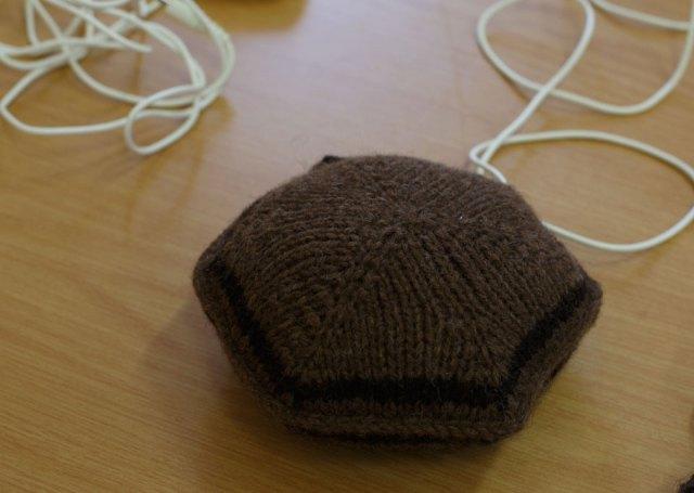 Knitted_Speaker_Pillow_01