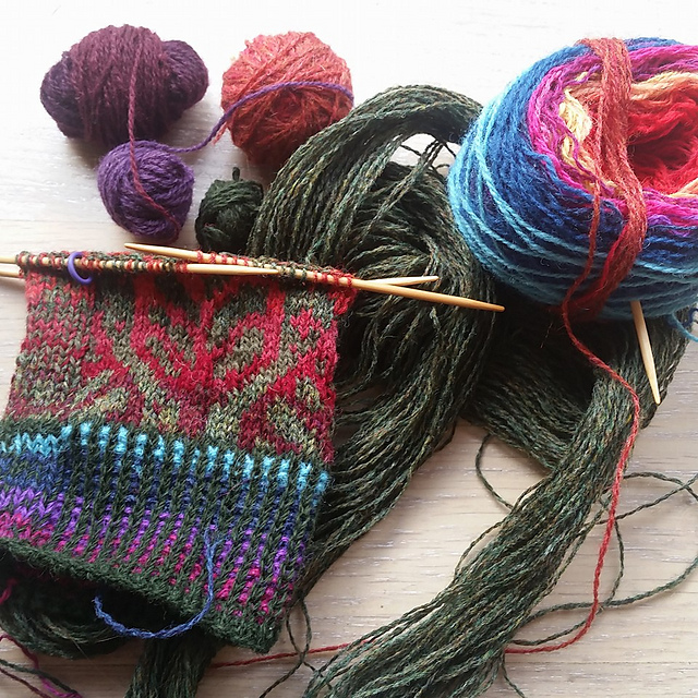 Knitting from Autumn Leaves