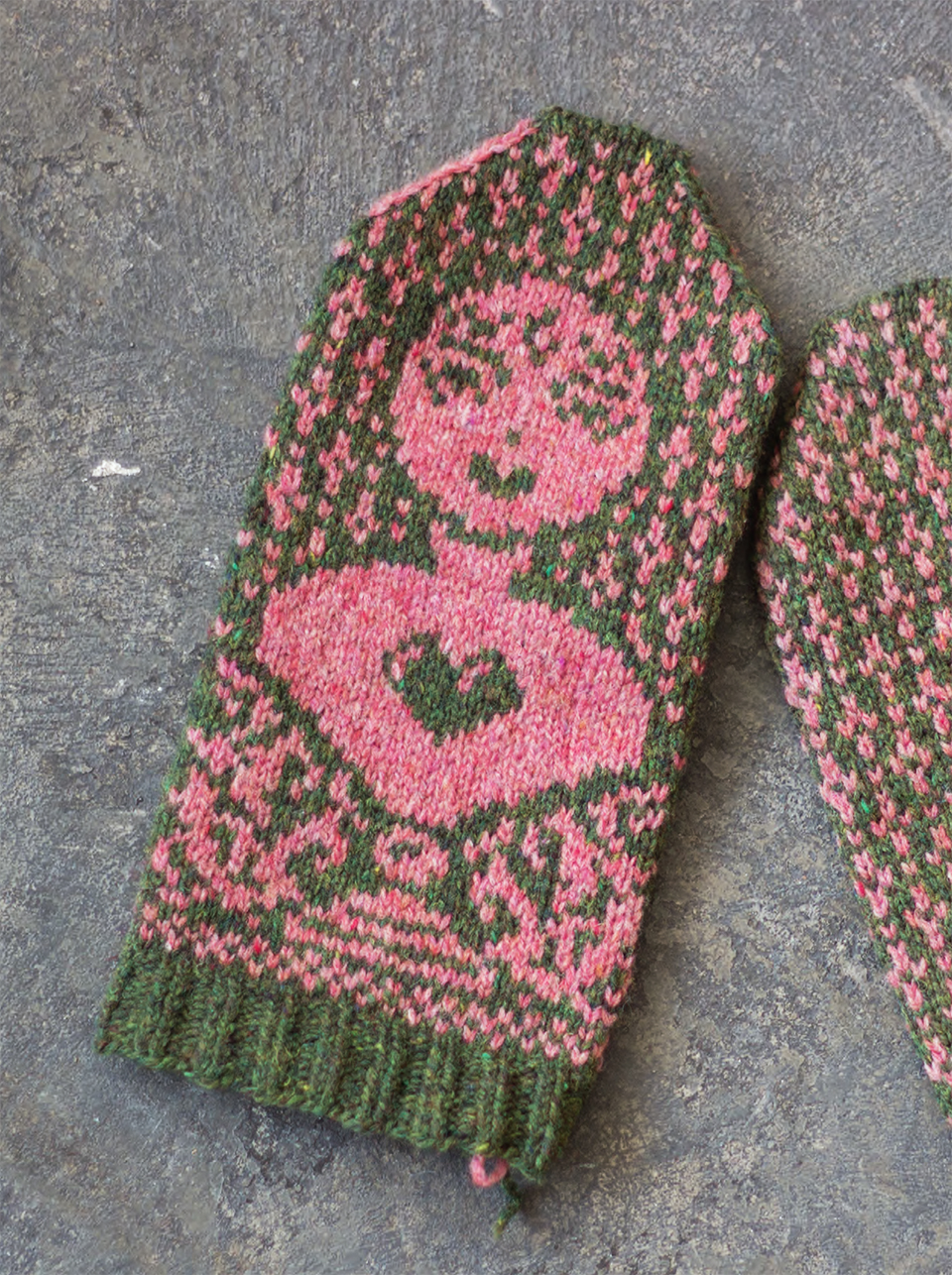 "A modern-day Venus; ""The girl with the pre-fabricated heart"" - mittens with  contemporary symbolism"