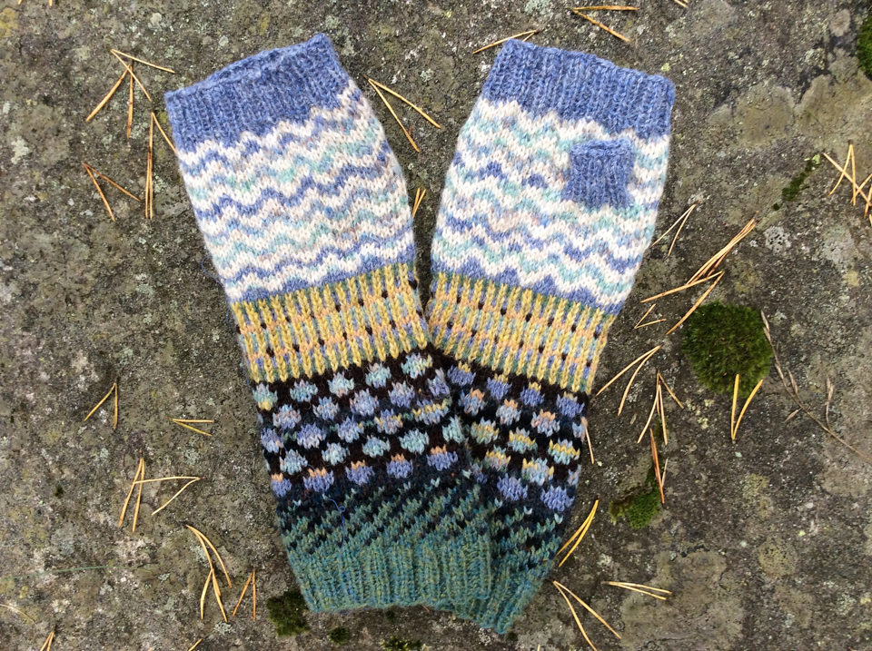EVAL8 has finished her mitts already!