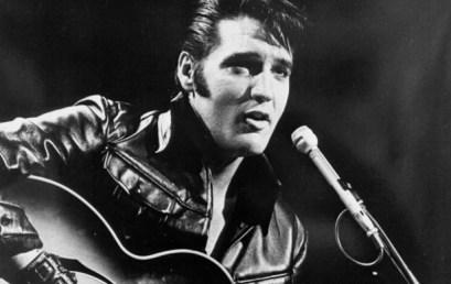 Hoy festejamos a Elvis Presley, el Rey del rock & roll.