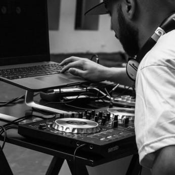 Diplomado en Electronic Music & DJ Set