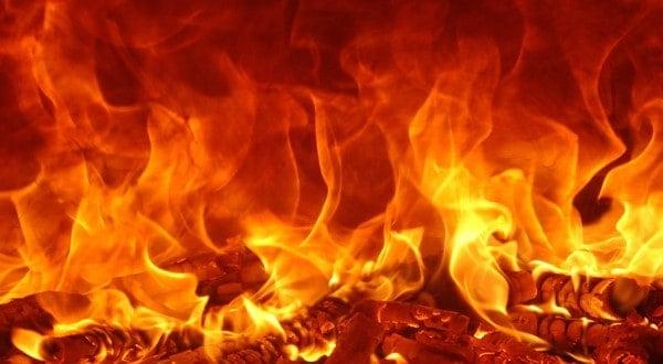 رؤية النار في المنام للمتزوجة والعزباء الحريق بالتفصيل لابن