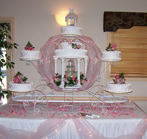 Cinderella Wedding Cake Ideas   Knot For Life Carriage Display   Cinderella Wedding Cake Ideas