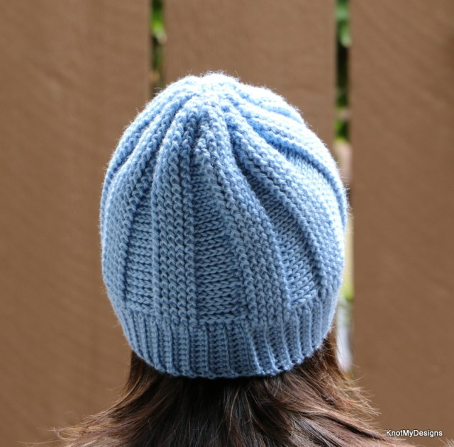Crochet Blue Ribbed Slouchy Beanie Free Pattern for any adult woman as winter/fall accessory - Knot My Designs
