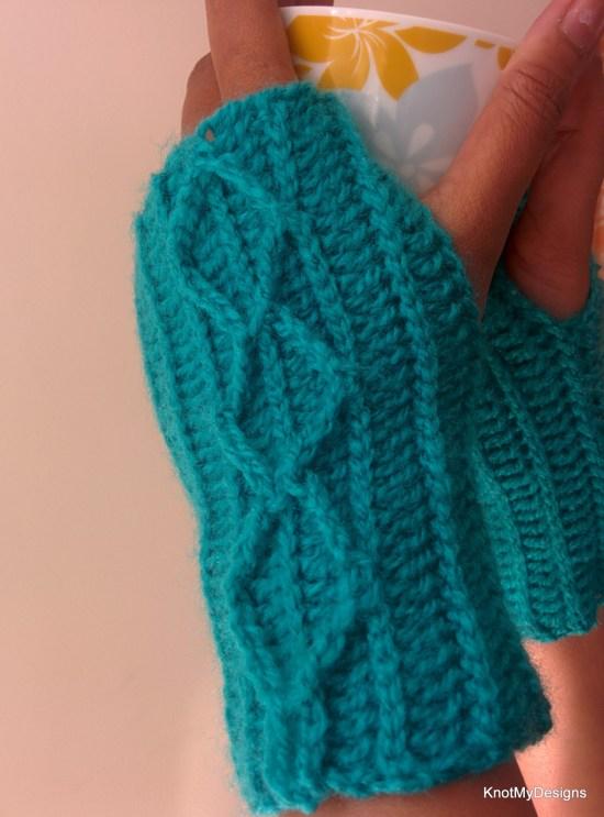 Crochet Diamond Cable Fingerless Gloves Free Pattern for adult womnn - Knot My Designs