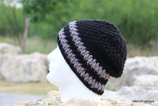 Winter/Fall Seasoned Black-Grey Crochet Willow Beanie Free Pattern for an adult man - Knot My Designs